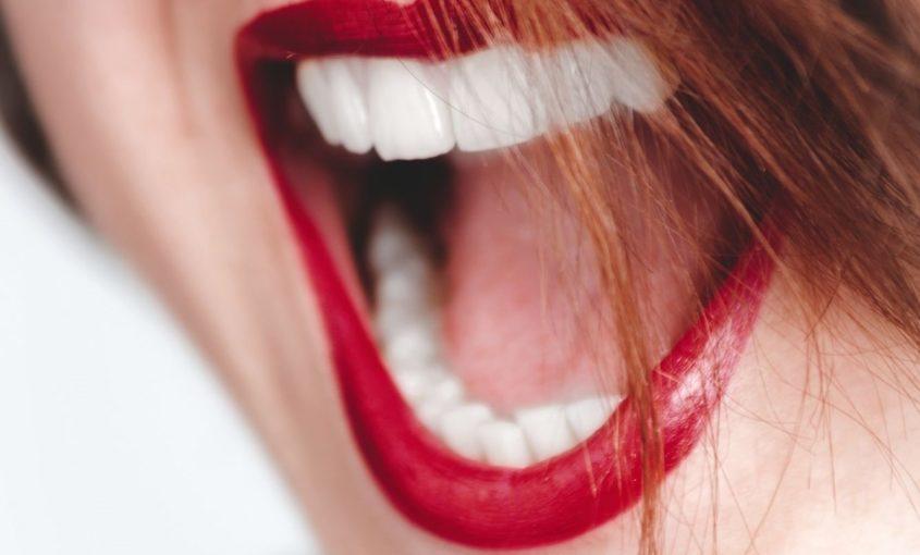 Alimentos para cuidar los dientes.