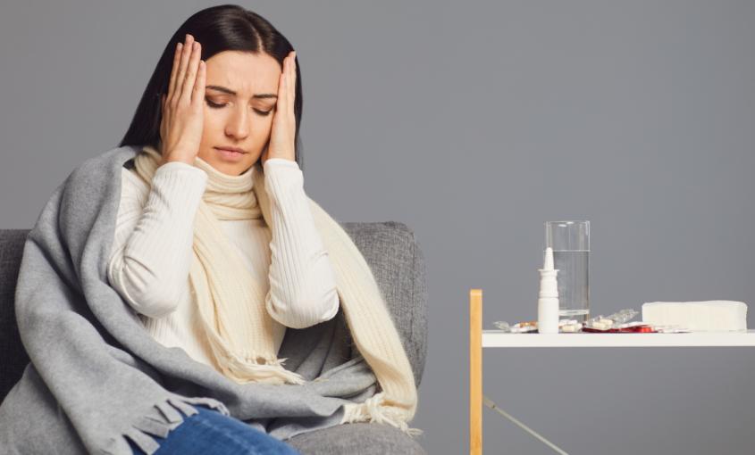 ¿Están relacionados los dolores de cabeza y la salud bucodental?